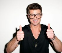 Wallpaper gratis del compositor americano, Robin Thicke, en HD.